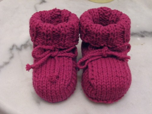 Knitting Patterns For Baby Booties Beginner : Ruth s Perfect Baby Booties Kris Awesome